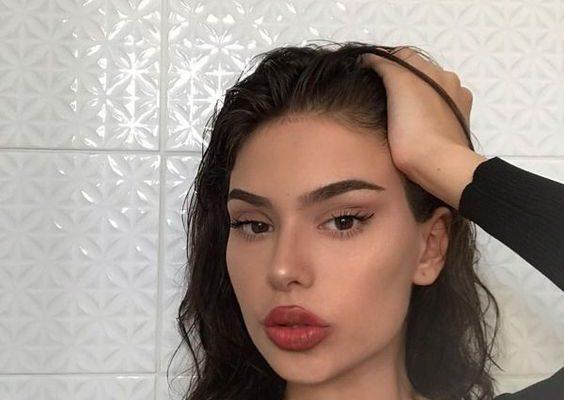 Maquillajes por si quieres verte decente por la mañana en zoom